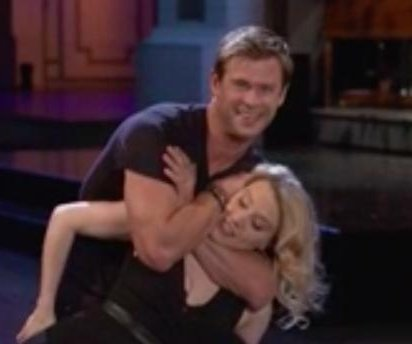 Kate McKinnon flirts with Chris Hemsworth on 'SNL' promo