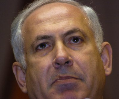 Israel's Netanyahu threatens to shoot at Palestinian stone throwers