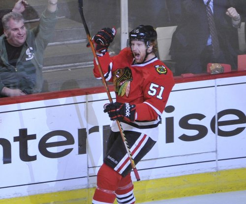 Chicago Blackhawks defenseman Brian Campbell retires after 17 NHL seasons