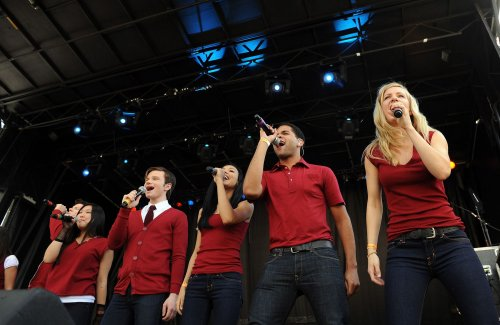 Fox orders third season of 'Glee'