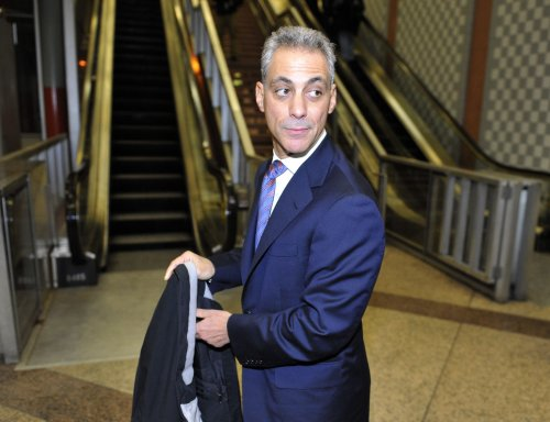 Poll: Emanuel atop Chicago mayoral field