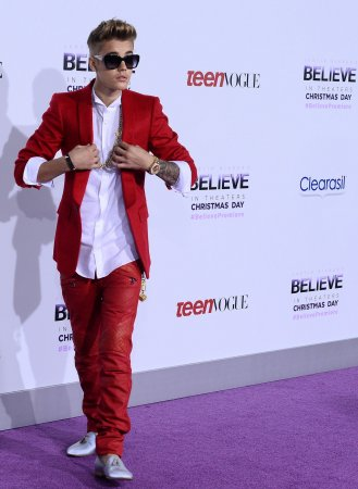 Justin Bieber makes Coachella cameo [VIDEO]