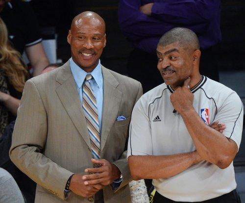 Miwaukee Bucks head west to take on Los Angeles Lakers