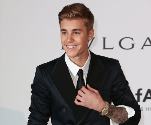 Justin Bieber posts copycat version of Selena Gomez photo