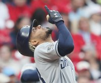 Padres SS Fernando Tatis Jr. heads to injured list; surgery not expected