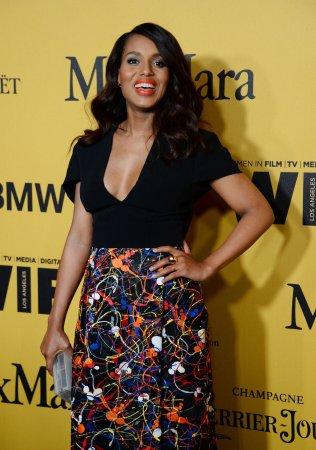 Kerry Washington invites Rihanna to visit set of 'Scandal'