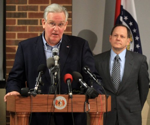 Gov. Nixon urges Ferguson, Mo., to react with head, not emotions