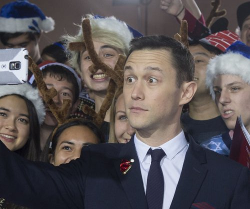 Joseph Gordon-Levitt talks getting high with Seth Rogen for 'The Night Before'