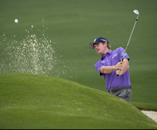 Brandt Snedeker leads Sony Open by one