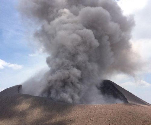 Active volcanoes get quiet before they erupt