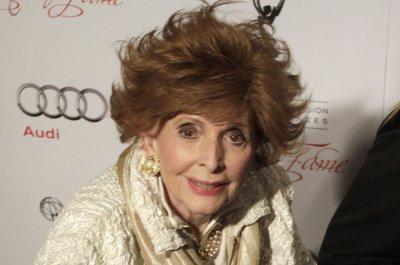 Patricia Barry, soap opera star dead at 93 - UPI.com