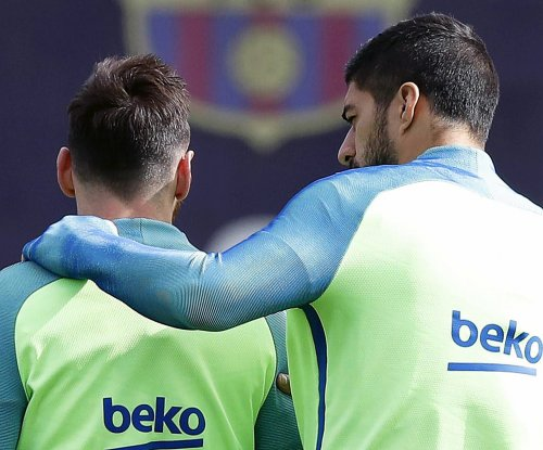 Lionel Messi, Luis Suarez admit to peeing while sitting down