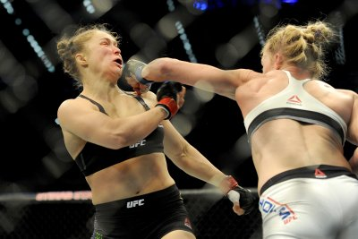 Mayweather vs. McGregor: Ronda Rousey getting married during mega-fight