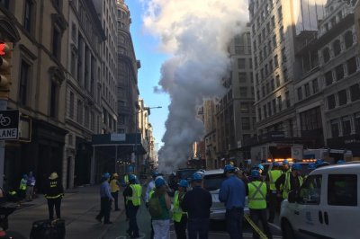 Part of NYC district evacuated after high-pressure steam pipe explodes