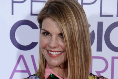 John Stamos wishes TV wife Lori Loughlin 'Happy Birthday'