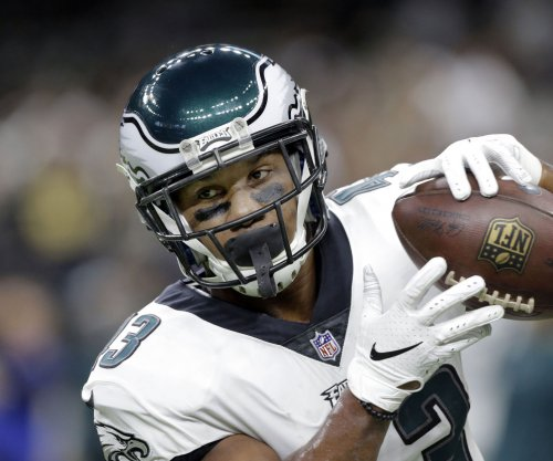Philadelphia Eagles re-sign running back Darren Sproles