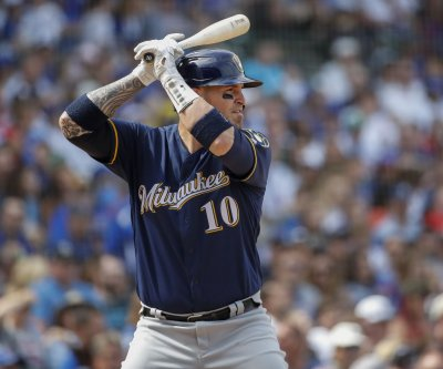 Chicago White Sox sign All-Star catcher Yasmani Grandal to four-year deal
