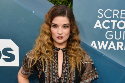 'Kevin Can F**k Himself,' starring Annie Murphy, coming to AMC in June