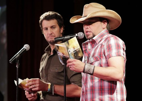 Aldean, Clarkson to perform at CMAs