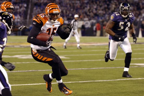 Bengals cut Henry after legal run-in