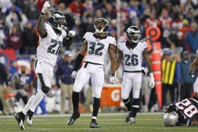 Philadelphia Eagles send CB Eric Rowe to New England Patriots