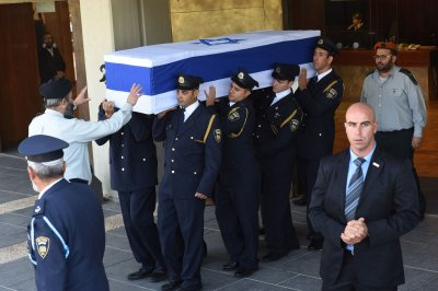 Obama, Abbas to attend memorial service for former Israeli PM Peres
