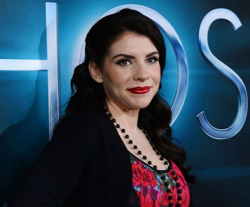 'Twilight' author Stephenie Meyer lands TV series at Starz