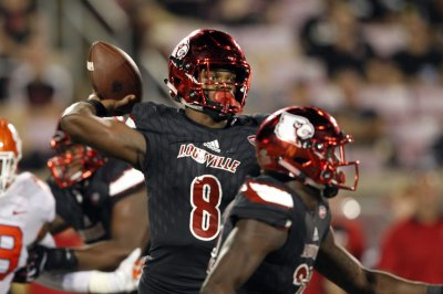 Lamar Jackson, Louisville Cardinals gaining confidence against lesser foes