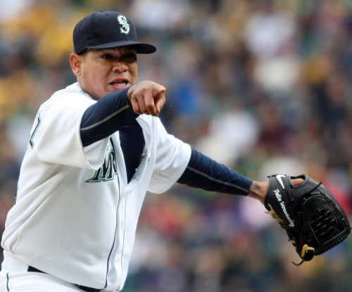 Felix, Mariners look to stave off sweep vs. A's