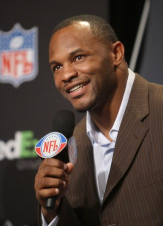 Pats sign running back Fred Taylor