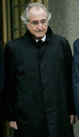 Andrew Madoff, Bernie Madoff's son, dies of cancer