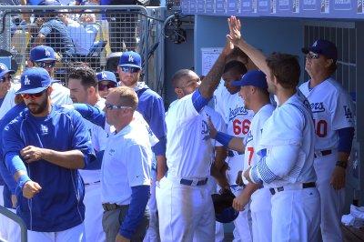 Los Angeles Dodgers top Seattle Mariners in 10 innings