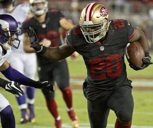 San Francisco 49ers RB Carlos Hyde hurt vs. Pittsburgh Steelers