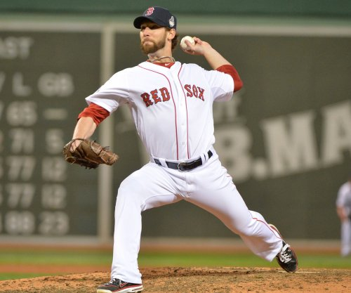 Craig Breslow starts Boston Red Sox toward easy victory