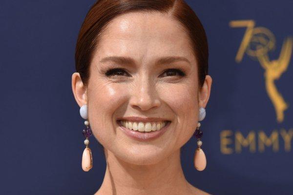 Watch Ellie Kemper Suggests The Office Reunion Episode Acq5