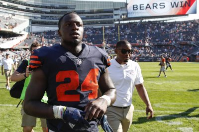Dolphins waive former Bears, Eagles RB Jordan Howard