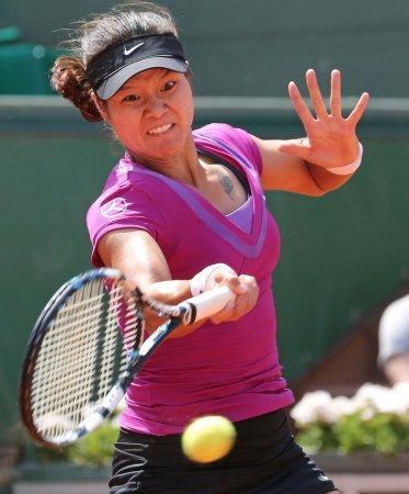 Azarenka, Li to meet in Australian final