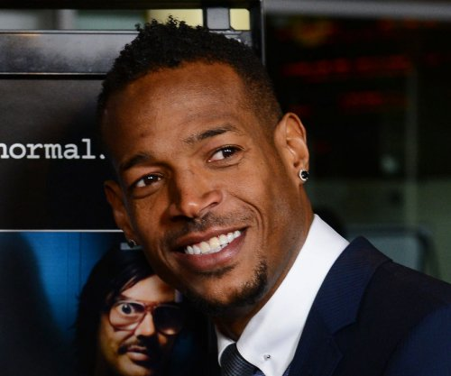 Marlon Wayans to spoof 'Fifty Shades of Grey'