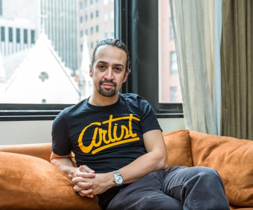 Stars of Broadway's 'Hamilton' to perform on the Grammys telecast