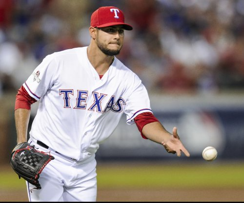 Martin Perez, Price Fielder, Mitch Moreland power Texas Rangers past Pittsburgh Pirates