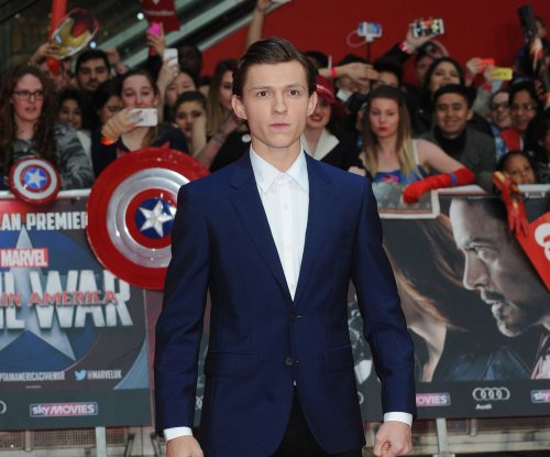 'Spider-Man: Homecoming' star Tom Holland visits children's hospital in costume