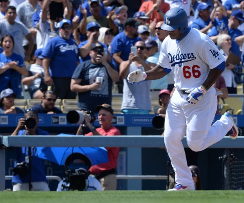 Yasiel Puig helps power Los Angeles Dodgers past San Diego Padres