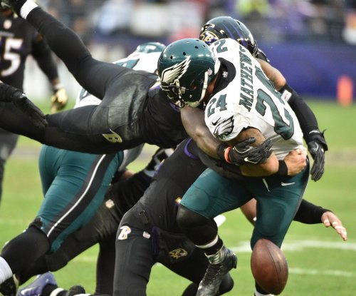 Defense steps up late as Baltimore Ravens hold off Philadelphia Eagles