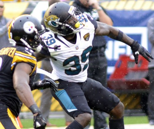 Jacksonville Jaguars safety Tashaun Gipson sits out practice again