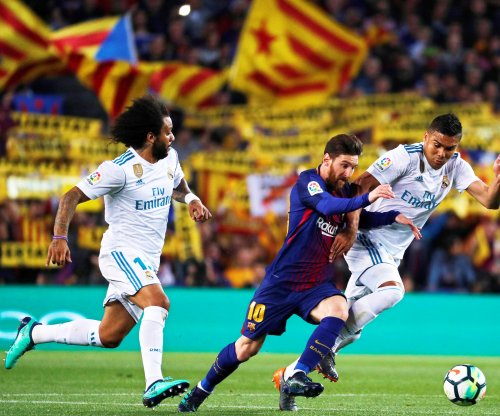 El Clasico: Barcelona ties Real Madrid despite playing with 10 men