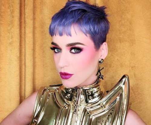 Katy Perry debuts purple hair on Instagram