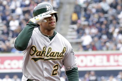 Khris Davis walks-off on Twins with 45th homer