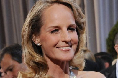 Helen Hunt to star in new BBC series 'World on Fire'