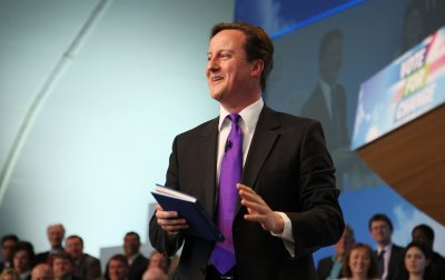 Polls: Clegg tops Cameron, Brown in debate
