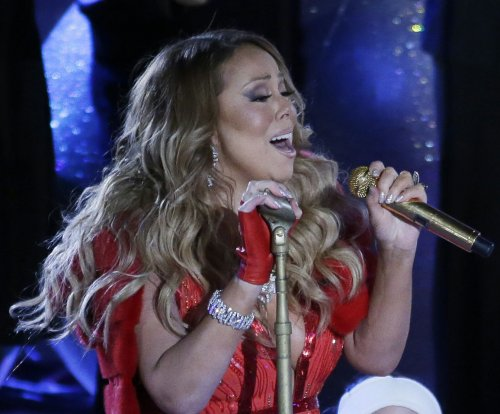 Mariah Carey's live Christmas performance draws polarized response on Twitter
